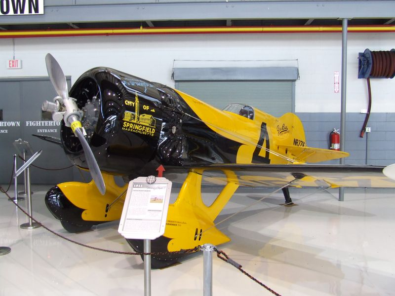 Gee-Bee-Z (1)