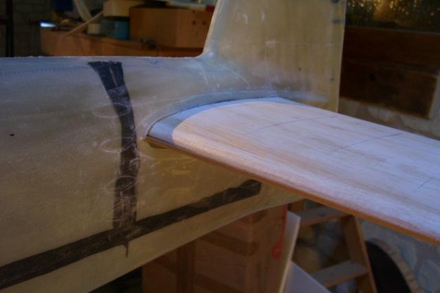 une première mise en place sur le fuselage.
