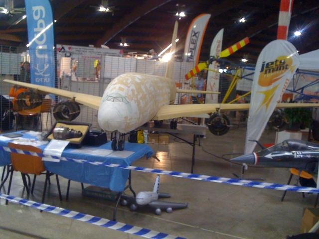 STAND EXPO PERPIGNAN A380-1 René GROCAUT