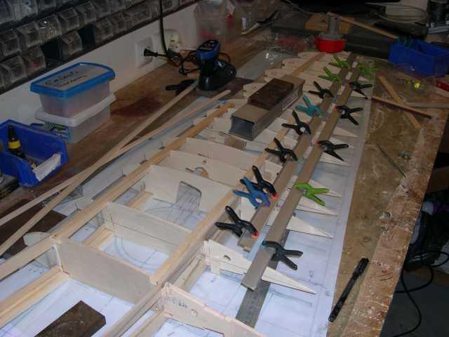 vérification des baguettes 5x10 il faut un alignement parfait car c'est la partie d'articulation des volets et ailerons